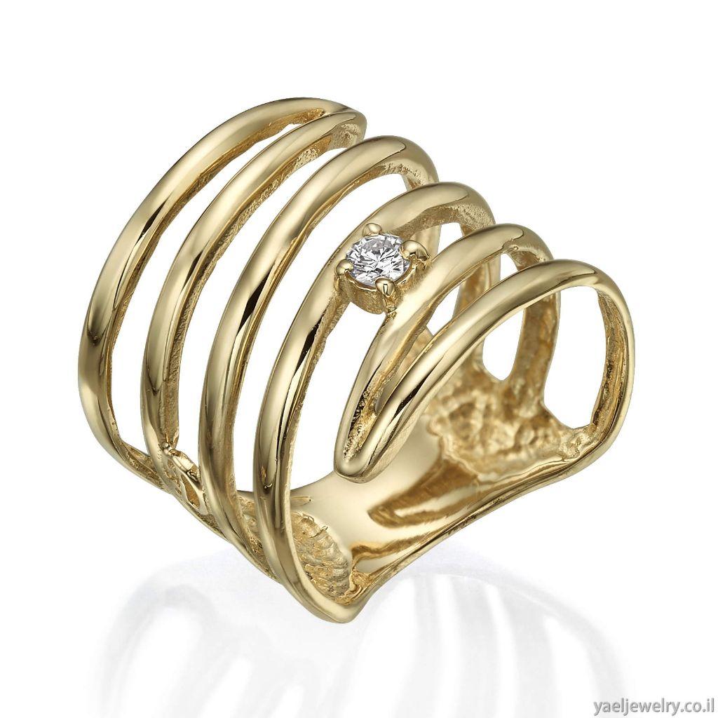 טבעת זהב צהוב בעיצוב אישי משובצת יהלום