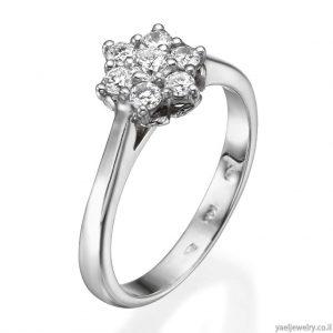 טבעת אירוסין משובצת יהלומים