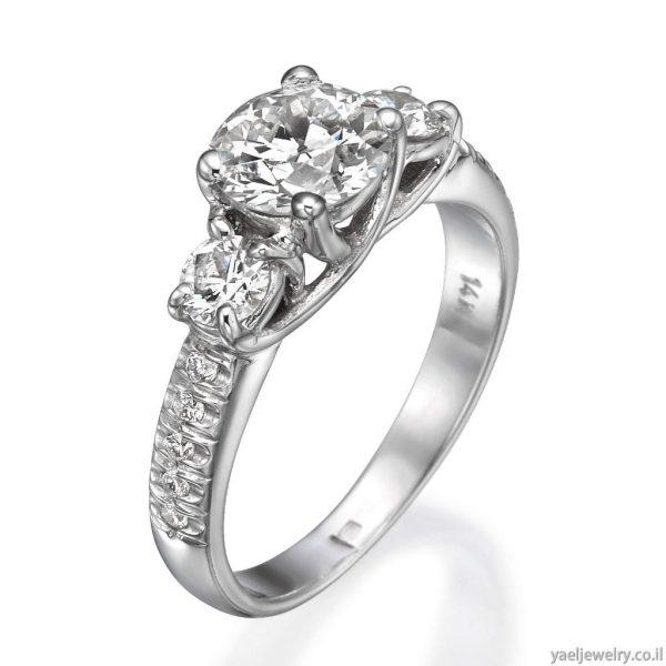 טבעת אירוסין זהב לבן משובצת יהלומים